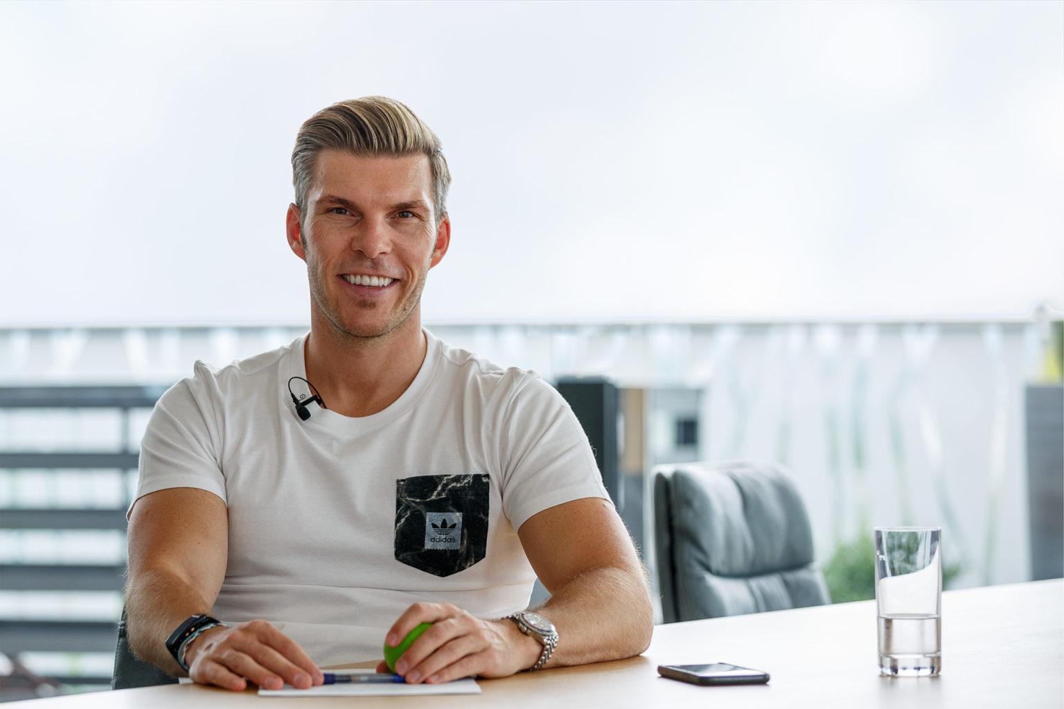 Florian Gschwandtner im Rahmen eines Interviews für instahelp